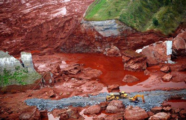 Nguồn nước bị nhiễm kim loại nặng