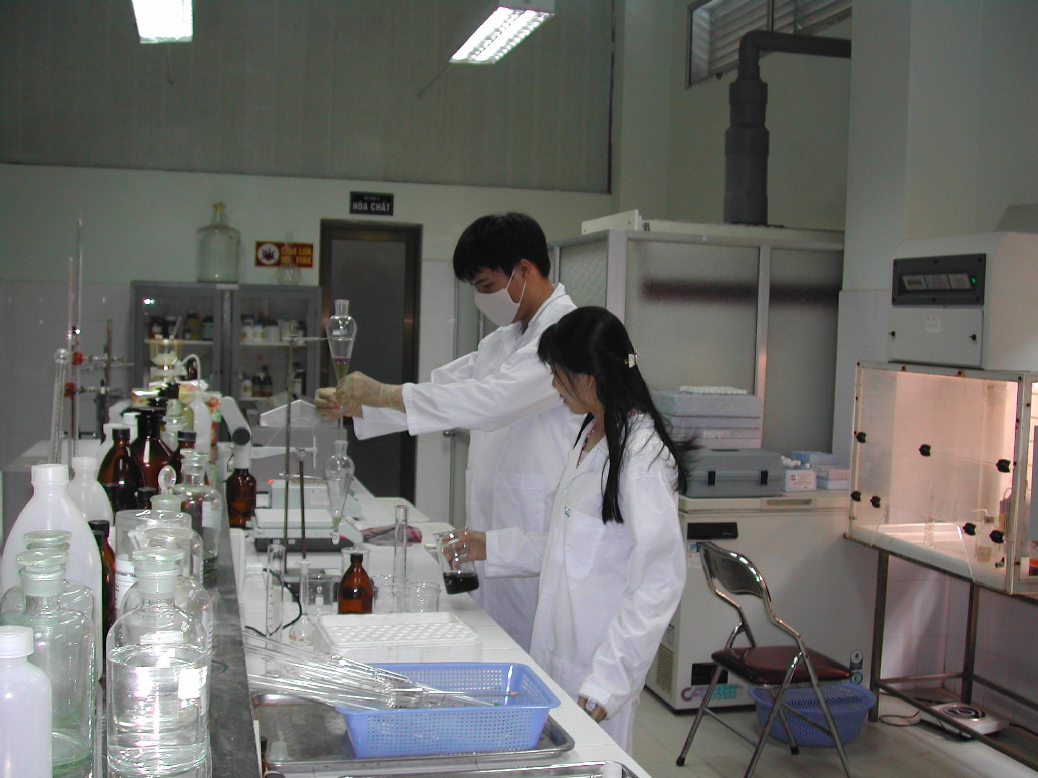 xử lý nước thải phòng thí nghiệm cần tìm kiếm hướng khắc phục