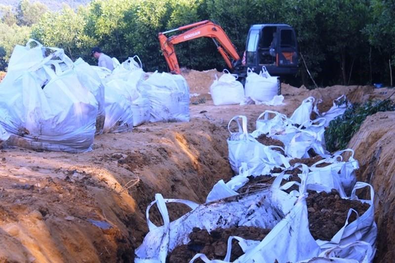 Xử lý bùn thải bằng phương pháp chôn lấp an toàn