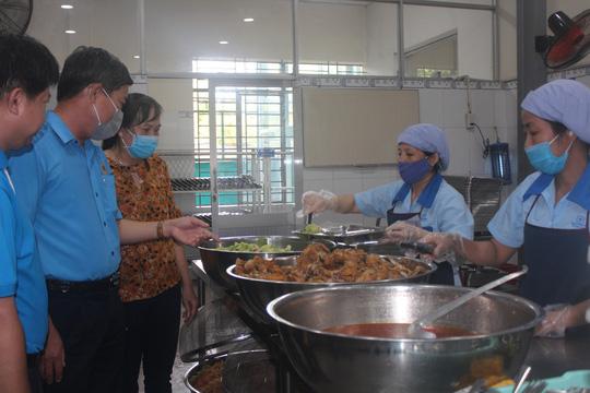 bếp ăn công nhân