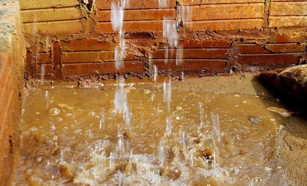 Nước giếng khoan nhiễm phèn