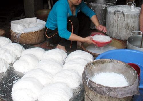 Sản xuất bún sử dụng rất nhiều nước